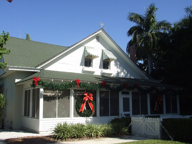 Naples Real Estate - Historic Palm Cottage Photo